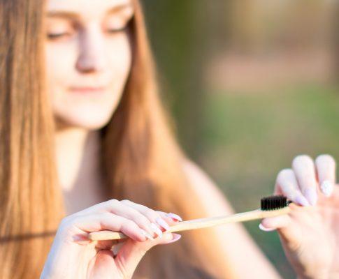5 dôvodov pre používanie bambusovej zubnej kefky