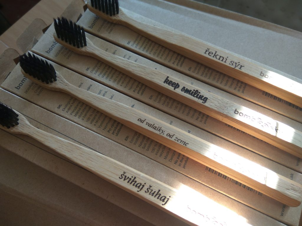 Bambusové Zubne kefky s vlastným menom